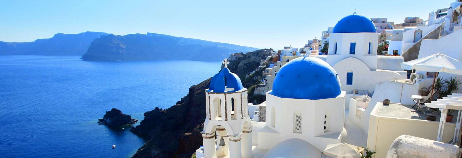 Breathtaking volcano view<span>Santorini, Greece</span>